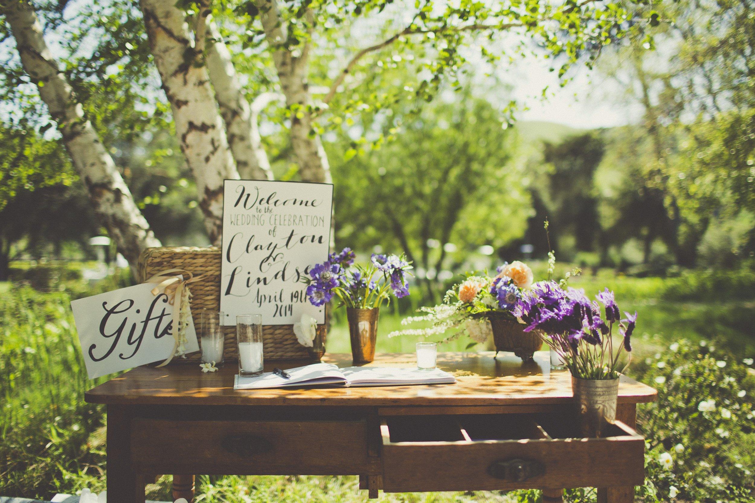 tableau d ambiance sur les faire-part de mariage et naissance