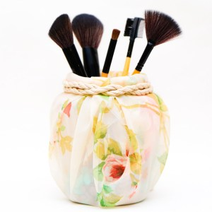 make and decorate a cute makeup brush holder  paper and