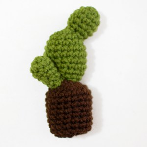 09 Small Part - Crochet Cactus Free Pattern - Paper and Landscapes