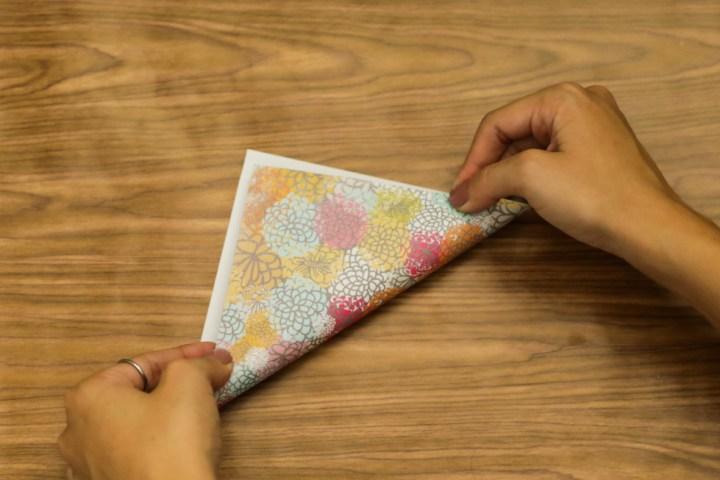 DIY Easy & Cute Corner Bookmark 2