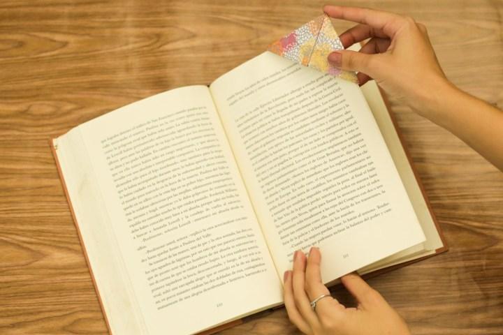 DIY Easy & Cute Corner Bookmark 8