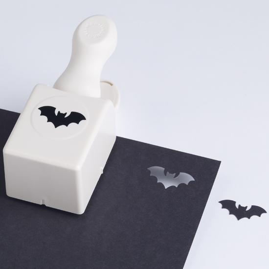 https://i1.wp.com/papercrave.com/wp-content/uploads/2010/08/martha-stewart-bat-paper-punch.jpg