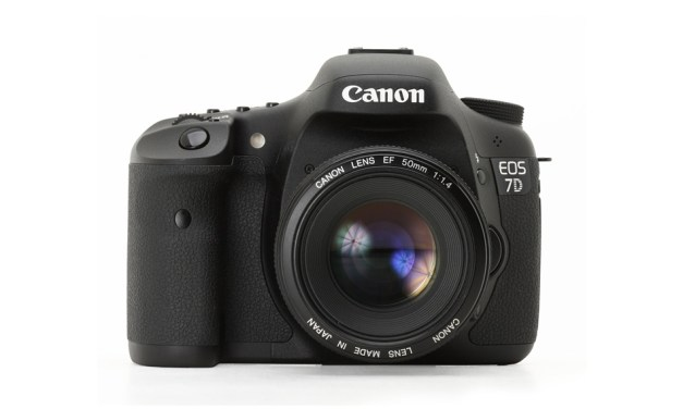 Canon EOS 7D Released