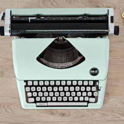 Máquina de escribir y etiquetadoras DYMO