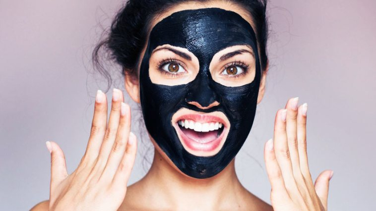 Maska-Black-mask-dlya-litsa-ot-chernykh-tochek-pisaniye