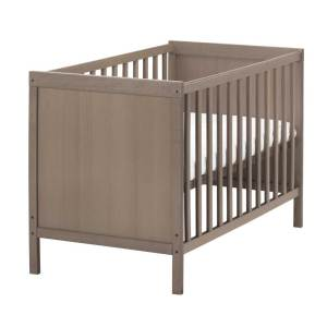 Grey-Wooden-Crib-120cm-with-complimentary-linen-set
