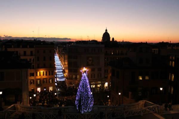 Spanish Steps Rome Christmas view
