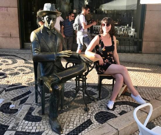 Fernando Pessoa statue Café A Brasileira