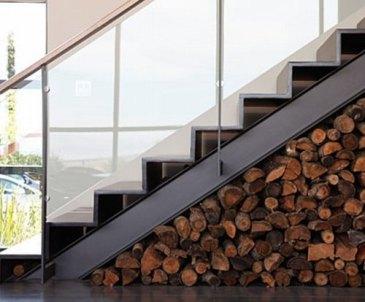 źródło: ladnydom.pl /drzewo do kominka/firewood storage
