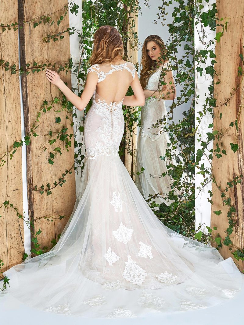 1810L-wedding-dress-back