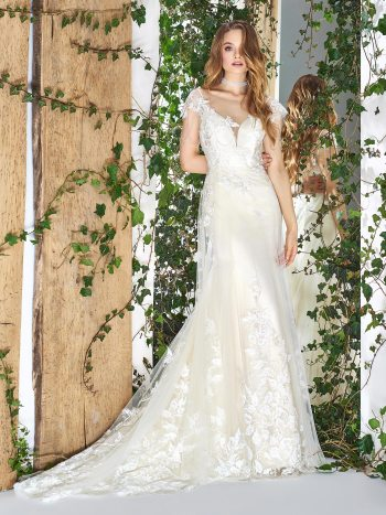 Fit-and-flare wedding dress with tulle overlay skirt and lace embroidery