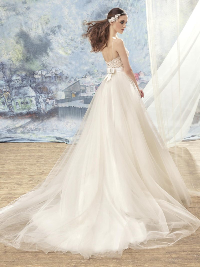 1723L-Wedding-dress-back