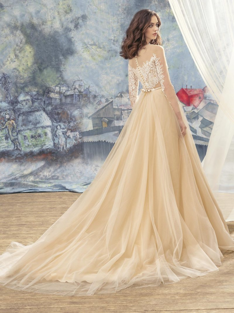 1736L-Wedding-dress-back