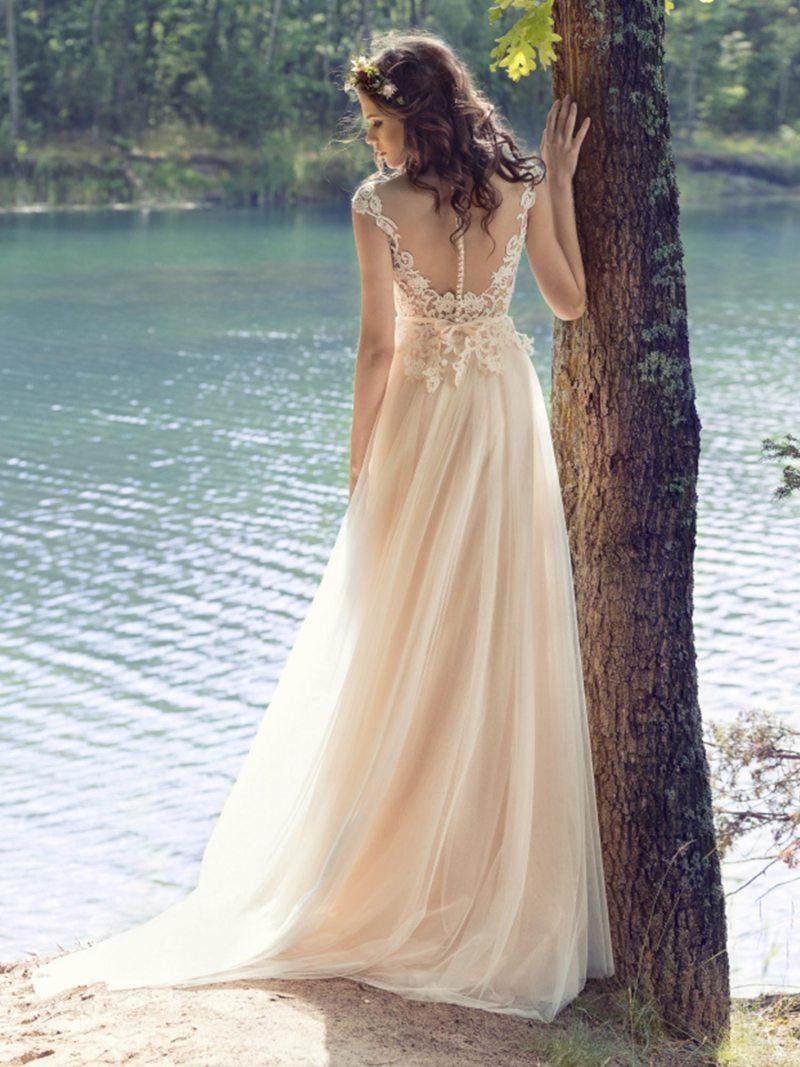 1746L-Wedding-dress-back