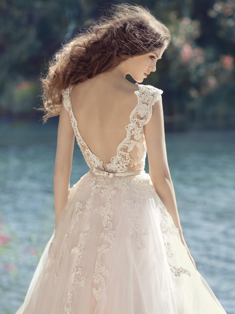 1748L-Wedding-dress-back