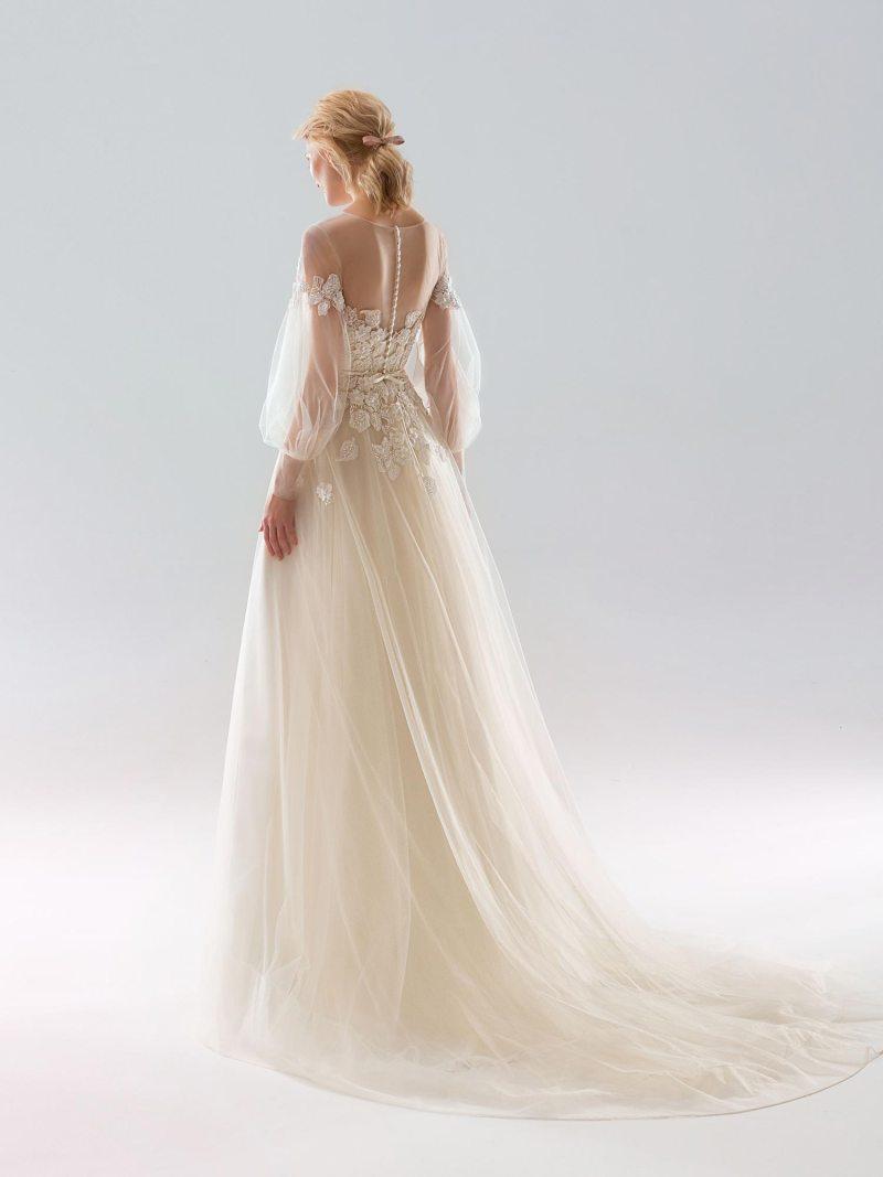 1904-wedding-dress-back