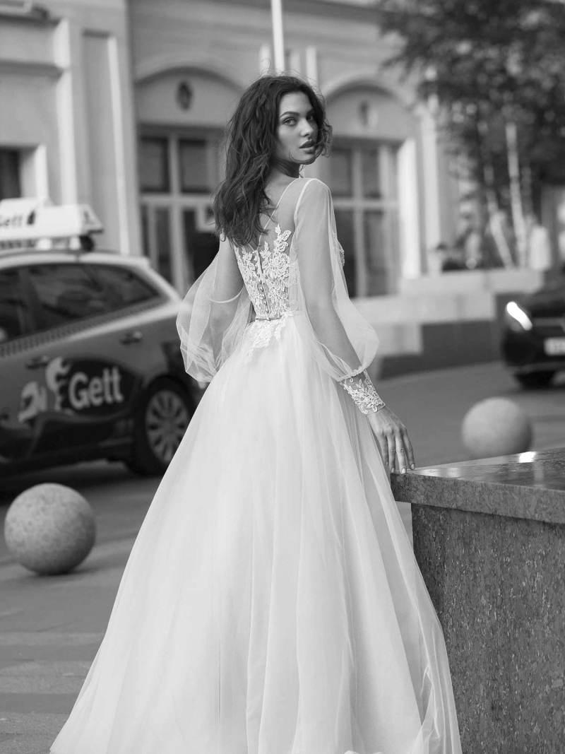 11939-2-wedding-dress-Papilio