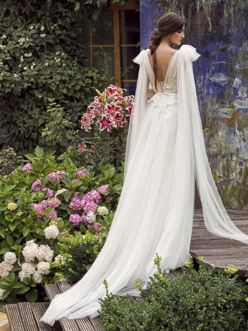 19-2008-3-wedding-dress-Papilio