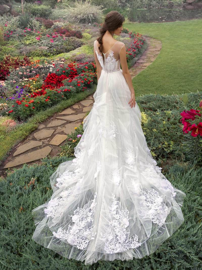 19-2009-wedding-dress-Papilio