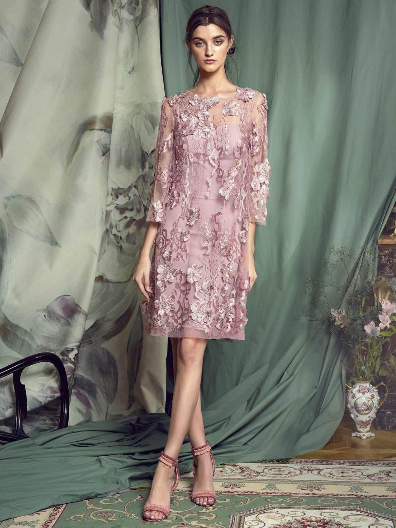 Three-quarter sleeve lace dress with 3D floral appliquŽ
