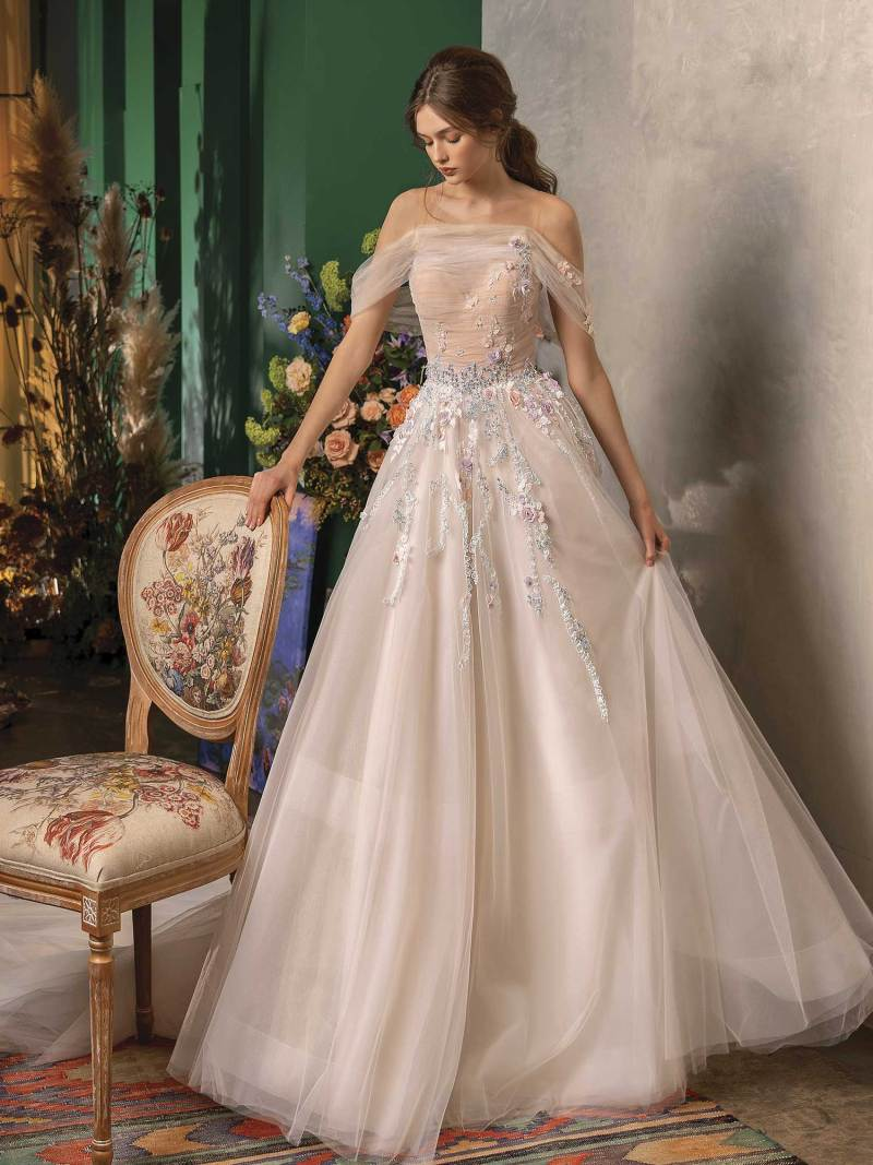 Ball gown wedding dress with sweetheart bodice