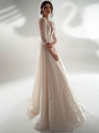 Sequinned lace A-line wedding dress with three-quarter sleeves