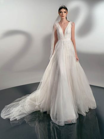 A-line wedding dress with leaf embroidery
