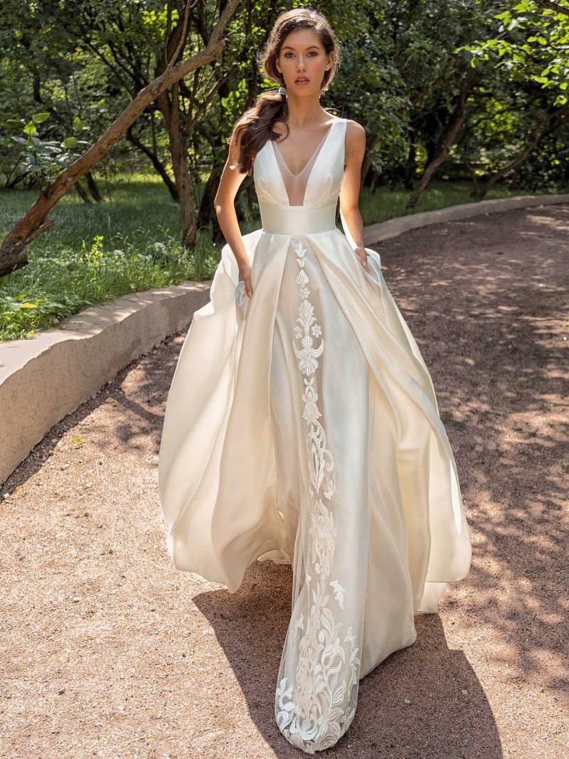 Mikado A-line wedding dress with V-neckline and side pockets