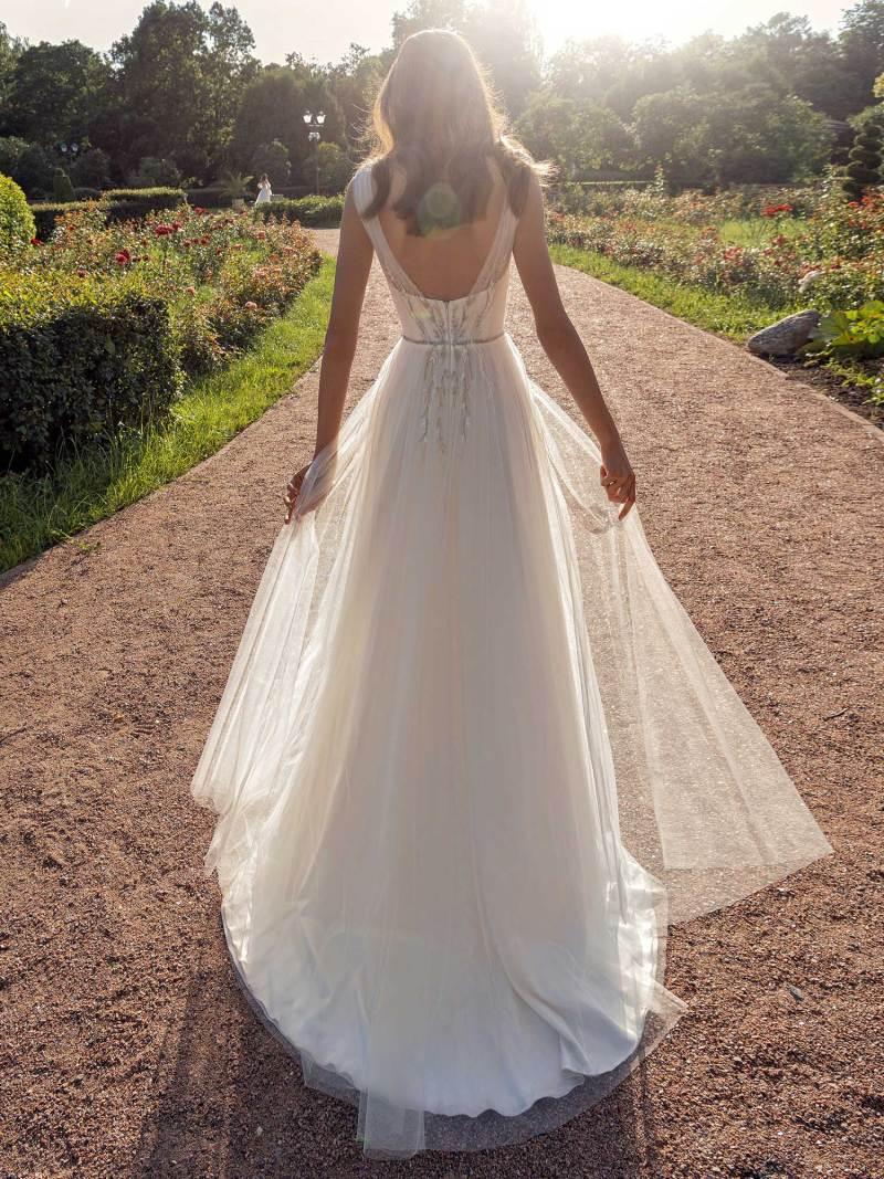 13007-2-unique-wedding-dress-in-Toronto