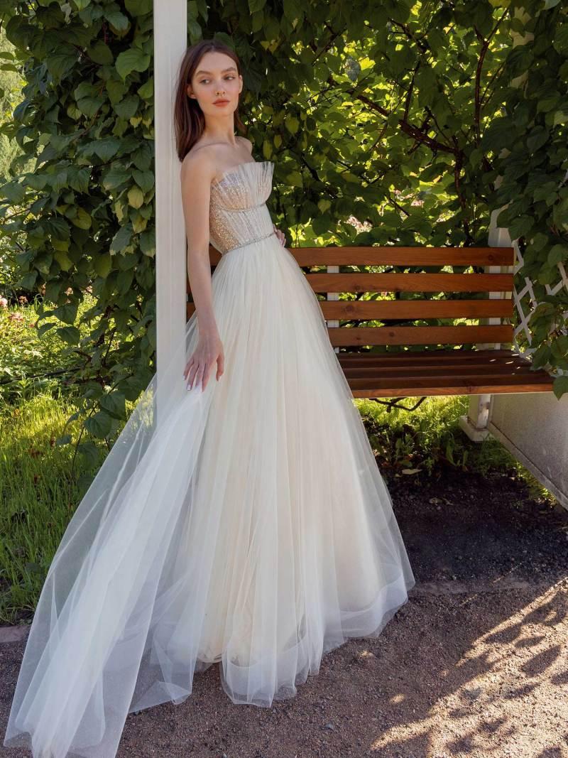 13010-1-unique-wedding-dress-in-Toronto