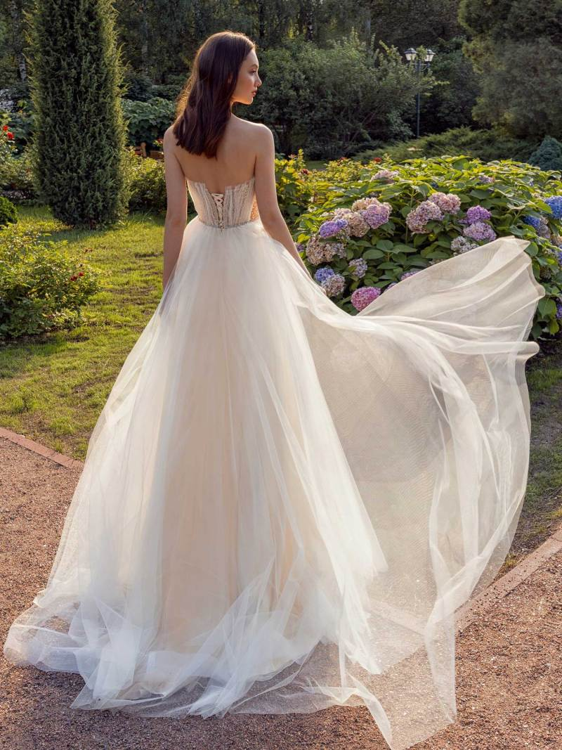 13010-2-unique-wedding-dress-in-Toronto