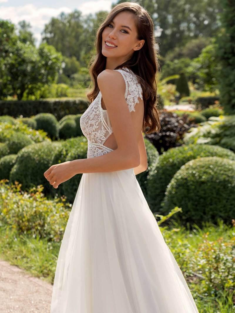 13013a-4-unique-wedding-dress-in-Toronto