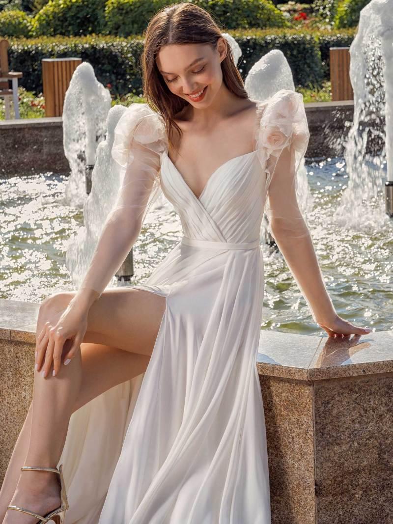 13014-1-unique-wedding-dress-in-Toronto