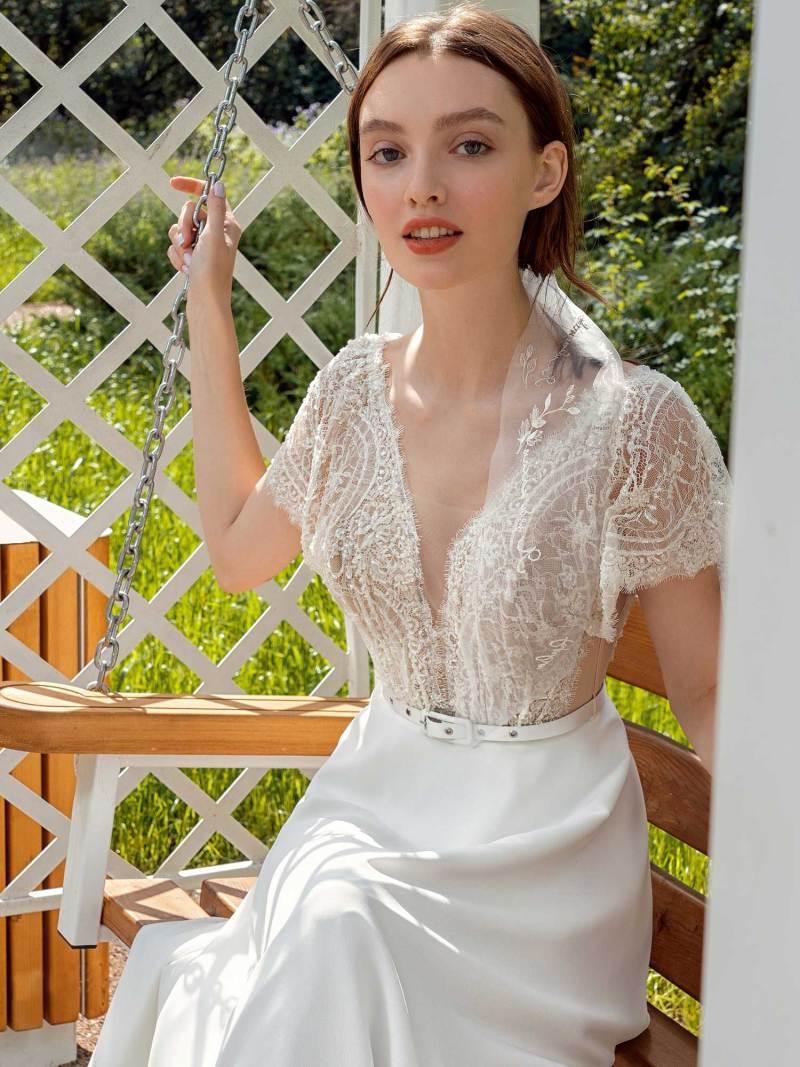 13015-1-unique-wedding-dress-in-Toronto