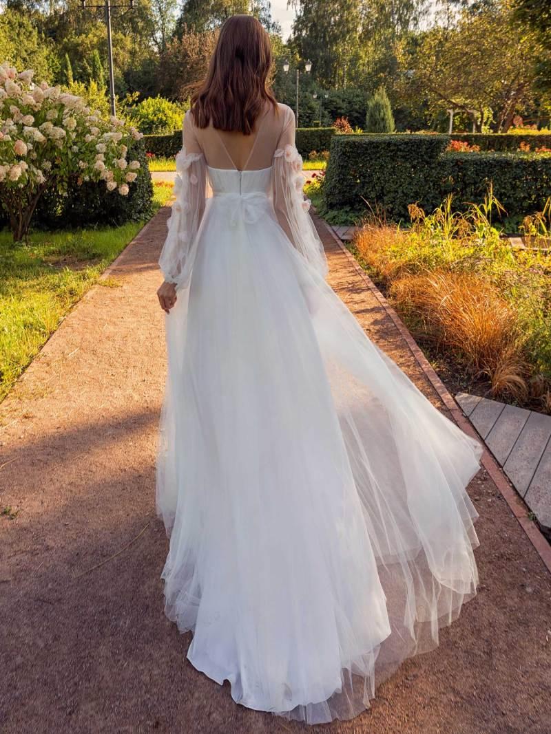 13019-2-unique-wedding-dress-in-Toronto