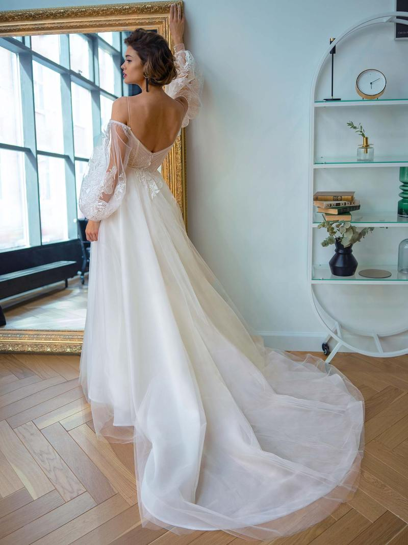 2207L_4_wedding_dress