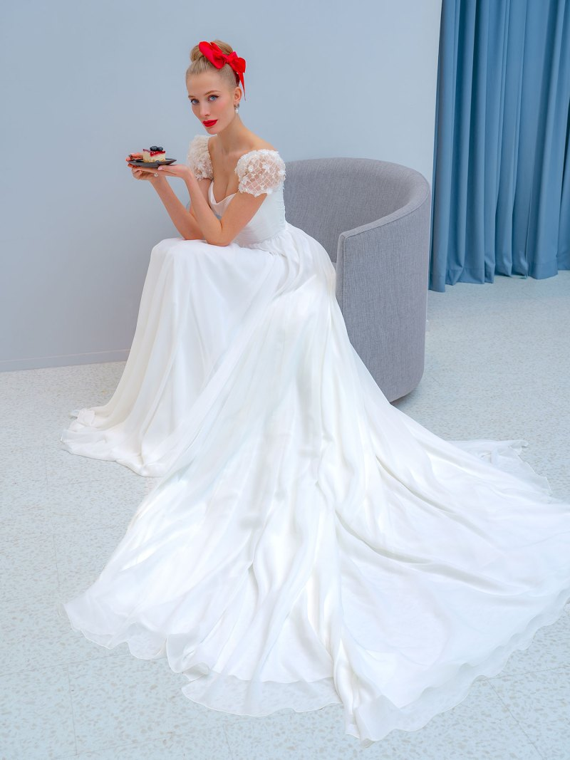 2218L_4_wedding_dress