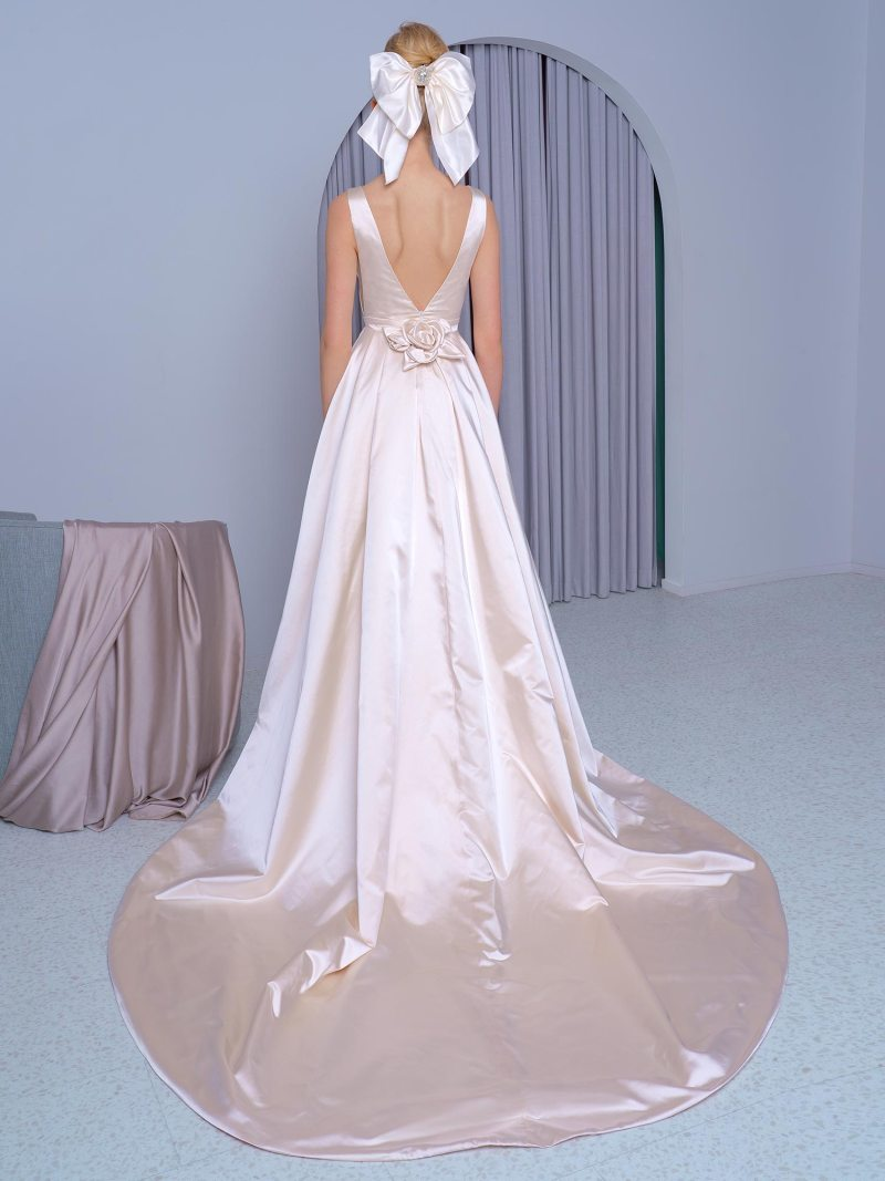 2224L_2_wedding_dress