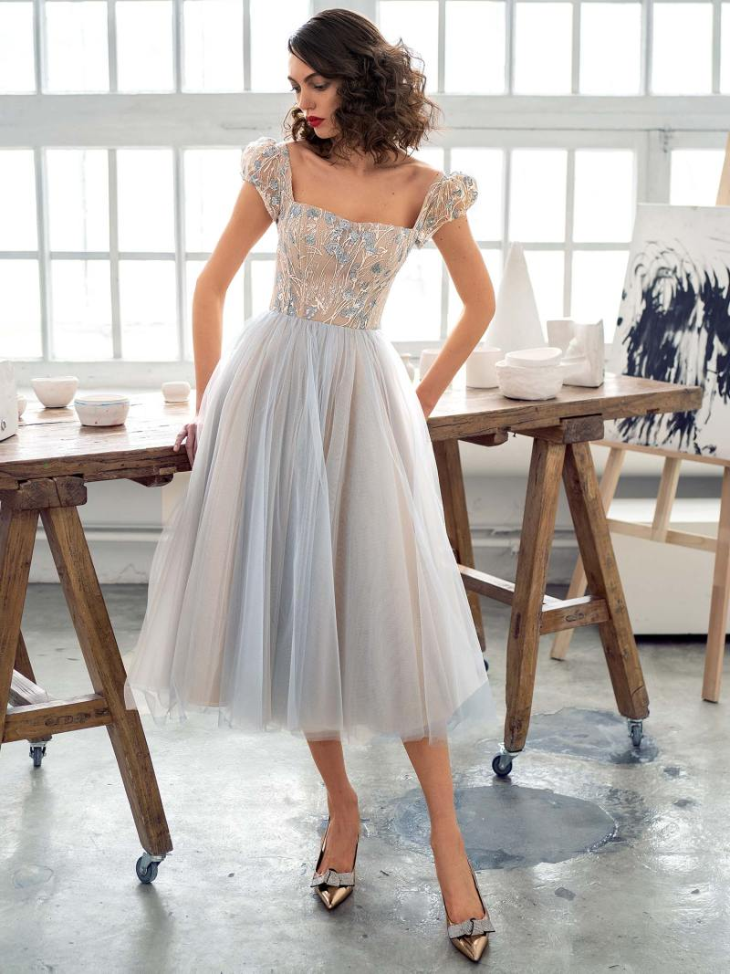 A-line cocktail dress with puffed sleeves