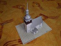 Papercraft imprimible y recortable de la Capilla de Bobruvka, en la República Checa. Manualidades a Raudales.