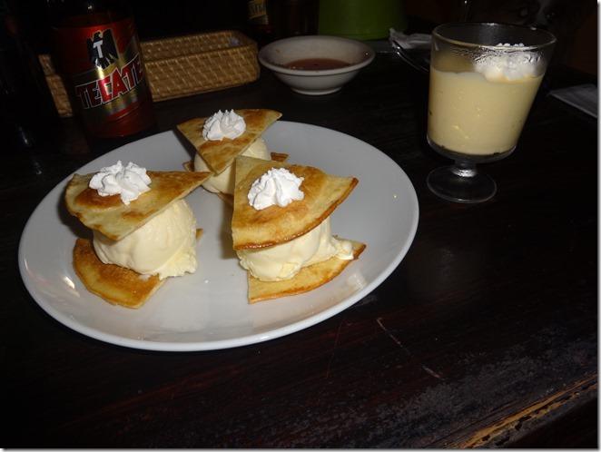 シナモントルティーヤアイスクリームと季節フルーツのプリン