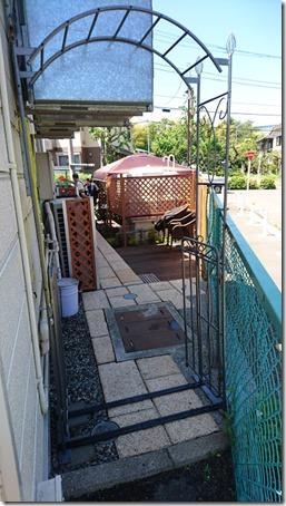 東京町田のドッグカフェプティシアンのBBQ会場入り口
