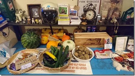 北軽井沢のペットと泊まれる宿花闊歩のディナーに使われた地元野菜の販売スペース
