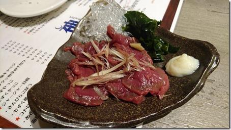 神奈川のドッグカフェソッリーゾの姉妹店居酒屋神結の馬刺し