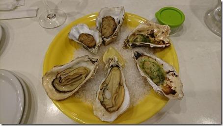 横浜駅東口にある横浜ベイクォーター内キンカウーカの牡蠣のグリル