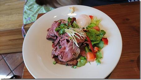 ドッグデプトカフェ湘南江の島店のローストビーフ丼