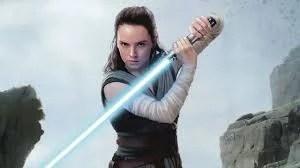 """J.J. Abrams confirma que existe """"mais"""" no passado de Rey"""