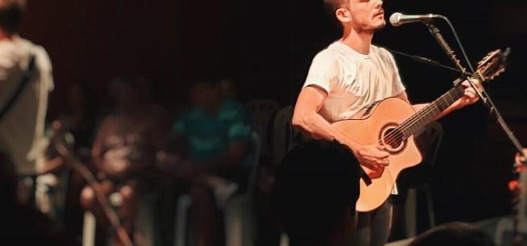 Rodrigo Lacaz apresenta novo show na Casa da Ribeira nesta sexta