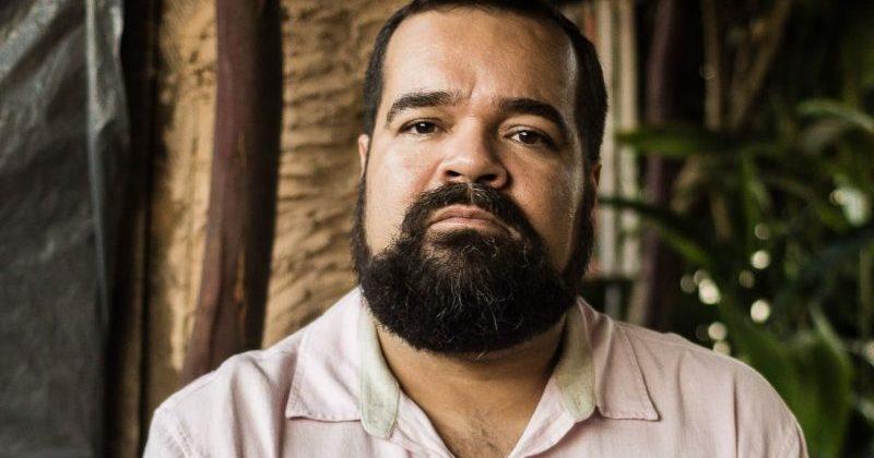 Projeto 'Natal Leitor' visitará 20 escolas com presença do autor Márcio Benjamim