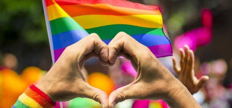 Encontro com show e bate-papo reúne artistas LGBTs